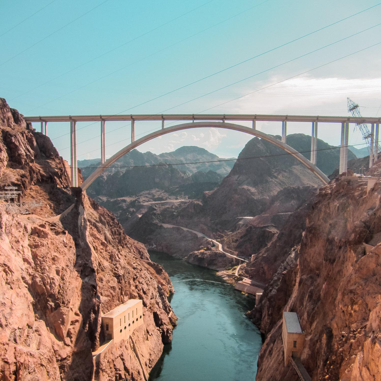 Blick auf Hoover Dam Bruecke